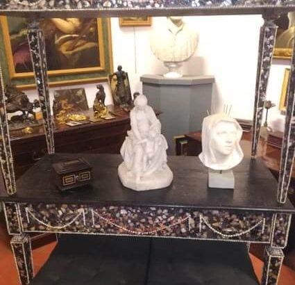 Compra mobili antichi: Roma, Napoli e Firenze