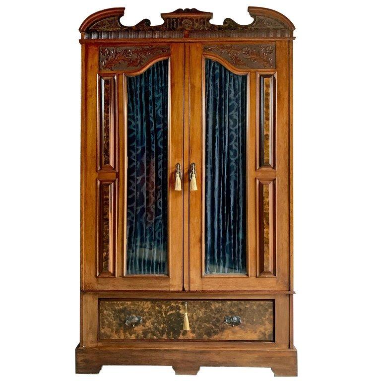 Compriamo mobili antichi del '900